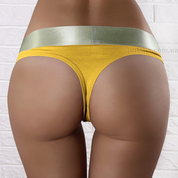 Фото обнаженных девушек в желтых стрингах